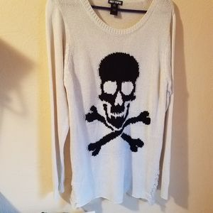 Hot Topic Plus Size White Knit Skull Sweater